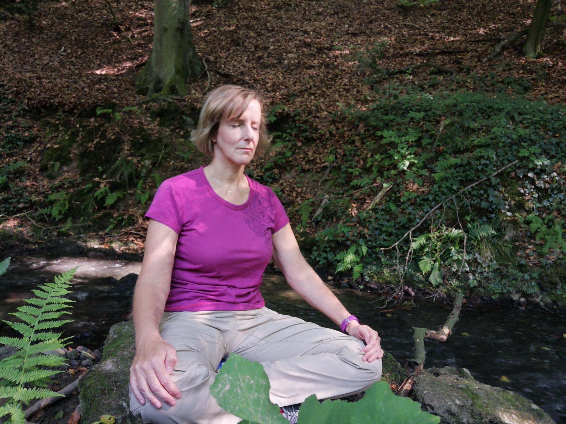 Entspannter Wochenausklang - mit Meditation und Entspannungsübungen in der Natur zur Ruhe kommen